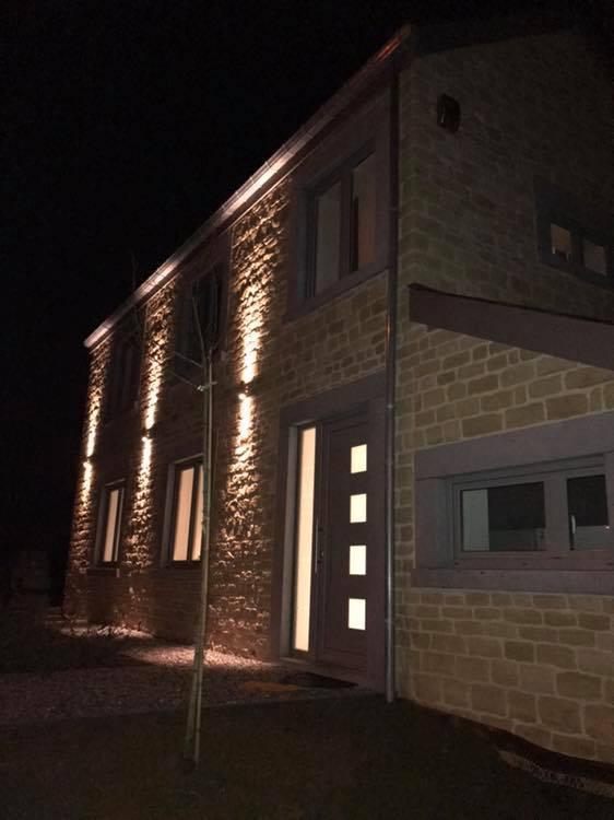 Maison Facade Avant de nuit